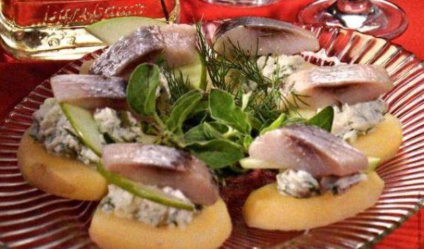 Рецепт соления красной рыбы в масле с луком